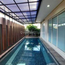 Rumah bagus minimalis ada kolam renang siap huni disewakan di telaga bodas gajahmungkur semarang