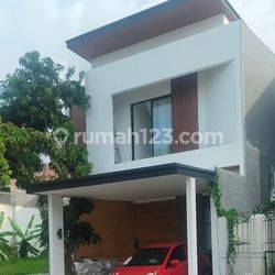 Rumah Baru,Nyentrik Full furnished,Pulau Putri Moderland Tangerang