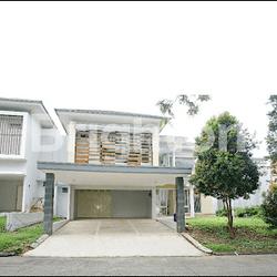 Rumah 2 lantai dan luas Kawasan Elit Lippo Cikarang Bekasi (THJ) (34)
