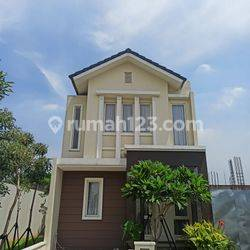 Rumah Mewah 300 Meter ke Jalan Antar Provinsi, Mal Tangcity dan Transmart Tangerang