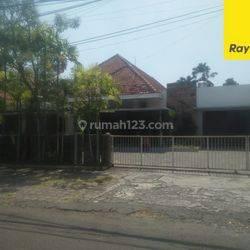 Rumah di Jalan Imam Bonjol, Surabaya Pusat