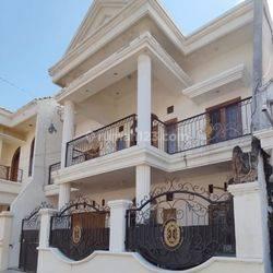 Rumah Murah dengan Desain Mewah 2 Lantai Daerah Probolinggo