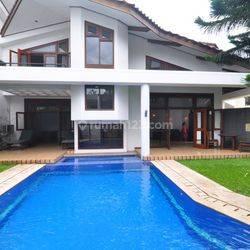 Rumah Pool Bule Style BSD city