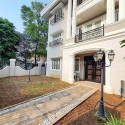 Rumah Classic 3 Lantai Di Gandaria Kebayoran Baru Jakarta Selatan