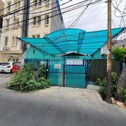 CHANDRA*rumah uk 150m2 jalan lebar lokasi bagus di mangga besar