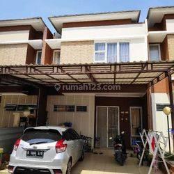 Dijual rumah MEWAH eksklusif 2 lantaiI dalam cluster, Suasana nyaman dan bebas banjir