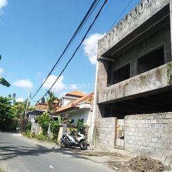 Bangunan Gedung Serbaguna area Dalung