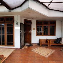 Rumah Semi Furnish Lingkungan Tenang dan Nyaman Dekat RS Puri Cinere