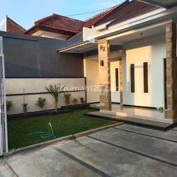 Rumah baru cantik siap huni carport luas bisa muat 2 mbl