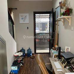 Rumah Cantik Semi Furnished Siap Huni Di Cluster Graha Raya