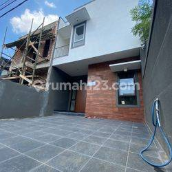 Rumah minimalis 2 lantai sekitar suryalaya buahbatu bandung