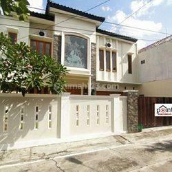 Rumah Tengah Kota Solo dekat Manahan dan Jl. Adisucipto