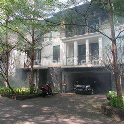 Bright Compound Townhouse in Pejaten
