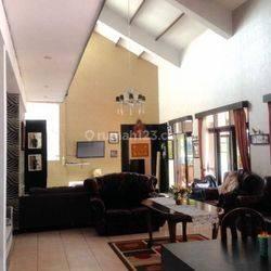 Rumah Mewah di Cibaligo Permai
