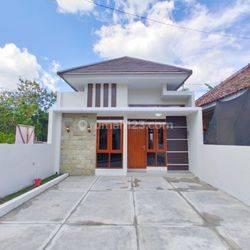Rumah Mewah Pinggir Jalan Aspal di Kasongan dekat Jl Bantul KM 6