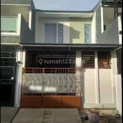 Dijual Rumah Bangunan Baru Rapi, Siap Huni