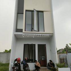 Rumah baru 2lt | lokasi di serpong | akses besar | lokasi sangat strategis | area rumah di dalam cluster | dengan suasana asri aman nyaman dan bebas banjir