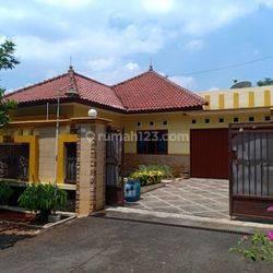 Rumah mewah jangli banyumanik Semarang Dekat Tol Jatingaleh