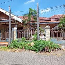 Rumah di Jalan Karah Agung, Surabaya Selatan