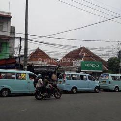 Jl. Raya Kebayoran Lama - Dekat Pasar