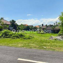 Strategic Land  Main Road at Sempol Pererenan, Close to the Beach Pererenan. very suitable for building Luxurious Villa Complex