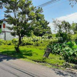 Strategic Land  Main Road at Tiying Tutul. very suitable for building Luxurious Villa Complex or private villa.