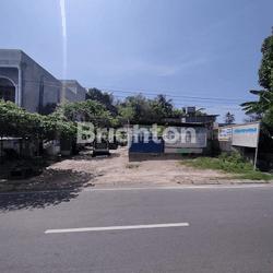 tanah dan bangunan posisi strategis untuk tempat tinggal dan usaha di jalan jenderal Sudirman kota Prabumulih