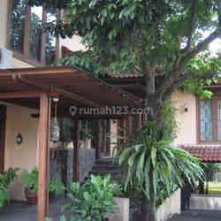 Beli tanah bonus rumah di perbatasan Jakarta Selatan dan Depok