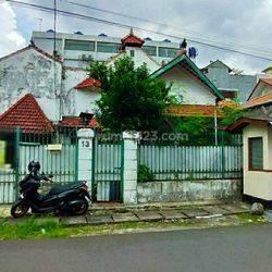 Rumah Tua hitung Tanah saja di Guntur, Setiabudi Jaksel