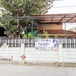 Rumah Hitung Tanah Hoek Taman Ratu Jakarta Barat lokasi strategis boulevard utama