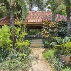 Tanah Bonus Rumah Lokasi Strategis Cipadu, Cileduk, Tangerang Selatan