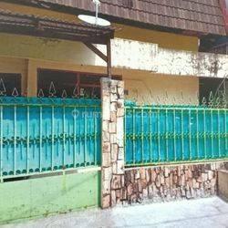 Rumah tua hitung tanah cocok untuk rumah tinggal atau kos2 an di tanjung duren jakarta barat lebar 9x17