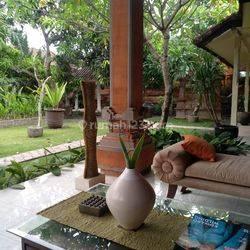 Jual tanah bonus rumah keren arsitektur tradisional Bali
