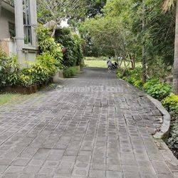 Tanah di Batu Mejan Padang Linjong Canggu  - Lingkungan Villa