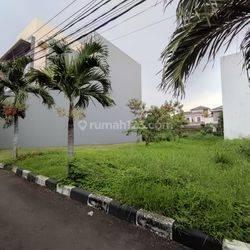 Kavling Sunter, 322 m² (14x23), Hadap Utara @ Danau Indah Barat - 08.1212.560560