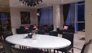 Oakwood 4 bed, luas, high quality furnish