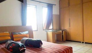 Apartemen Medit 1 Furnish Bagus 3BR 2BT Lantai Rendah View Pool