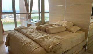 Apartemen Taman Anggrek Residence Lantai Sedang