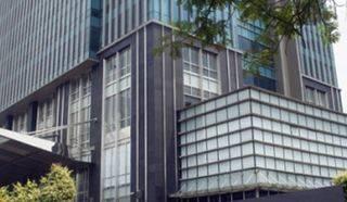 Apartemen Residence 8 @ Senopati – 2 BR (Size 170 Sqm) FULLY FURNISH TERMURAH 6,3 MILYAR