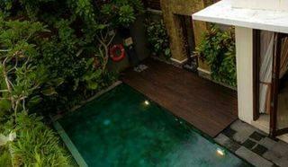 villa cantik dekat canggu