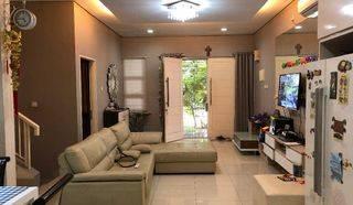 Rumah di Puri Mansion
