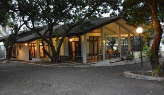Rumah dengan tanah yang luas di Jagakarsa, lokasi strategis!