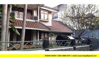 Rumah 2 Lantai + Swimming Pool Cluster Eksklusif Jeruk Purut Jaksel