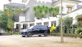 Veteran pesanggrahan Jakarta Selatan, Rumah mewah Semi Furnished