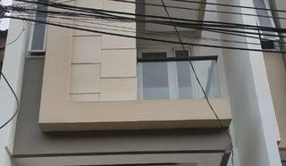ANA_JELAMBAR Rumah Baru Minimalis uk 4x15,5m lokasi strategis di Jelambar