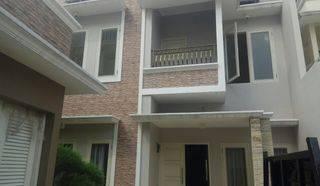 Rumah Cluster Exclusive (Hook) Pinggir Jalan Ciganjur Jakarta Selatan