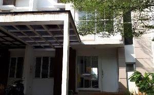 Rumah nyaman dekat stasiun MRT/Tol Pondok Indah