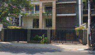 Rumah di Jl. Suryo - Senopati, Jaksel, Harga Investor!!!!
