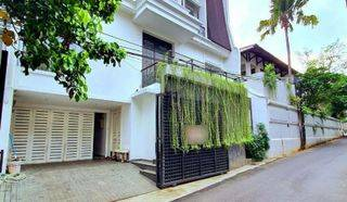 Cipete house  brand new modern classic design,jakarta selatan