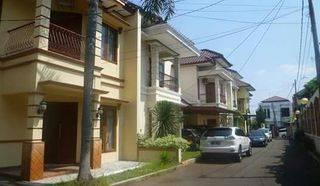 HOUSE AT TOWNHOUSE PEJATEN JALAN SAMALI 4BR IDR 5.650.000.000 NEGOTIABLE